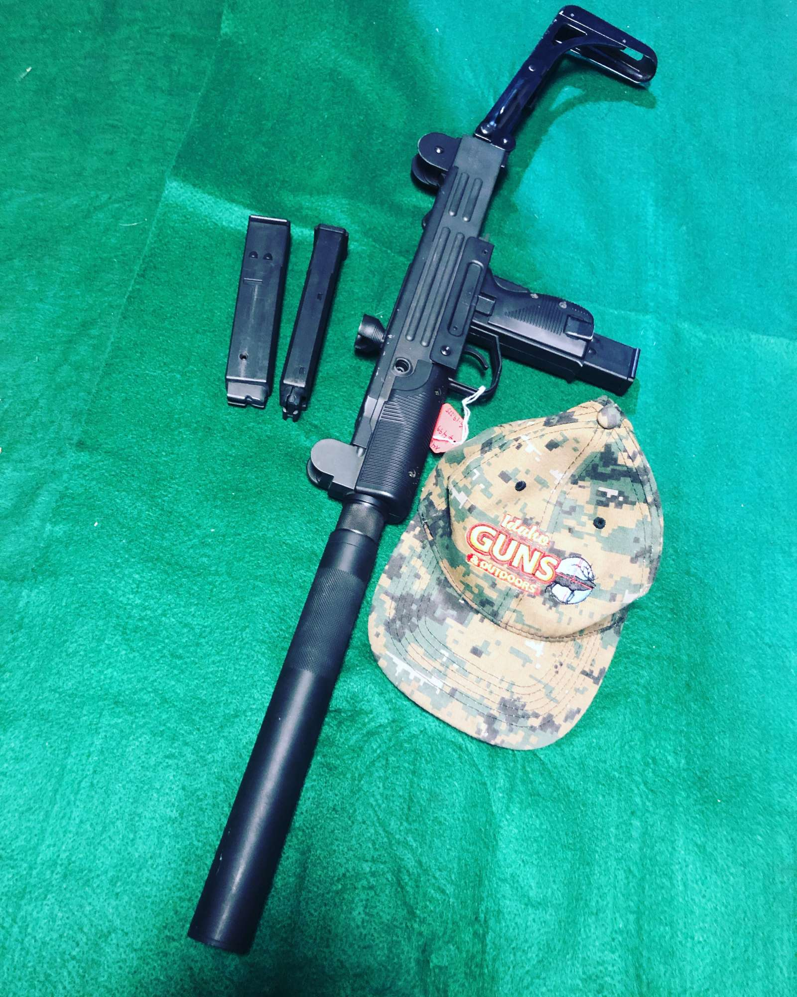 IWI UZI 22LR $499 EXCELLENT CALL STORE TO PURCHASE 208 3781600